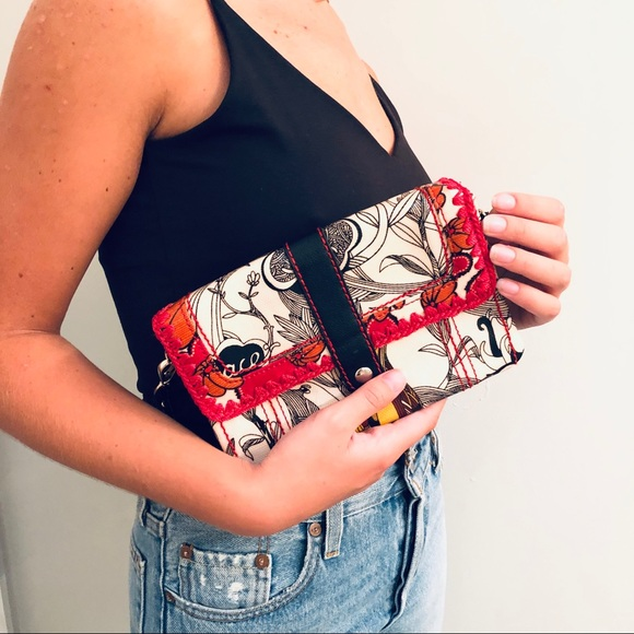 Sakroots Handbags - Sakroots Wristlet clutch wallet purse mini tote